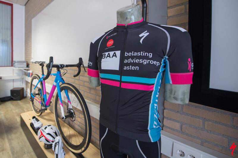 Mountainbike clinic voor bedrijven, Team Sanne van Paassen