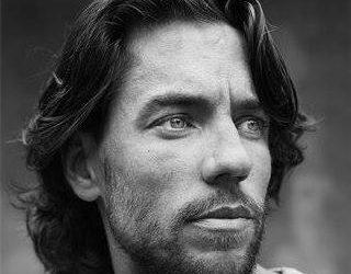 'NIETS IS WAT HET LIJKT!' – Interview met Thomas Dekker