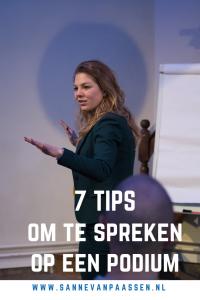 Sanne van Paassen Spreken op het podium